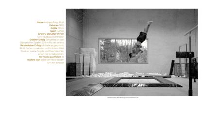 """Spitzensportler Andreas Toba in einer Turnhalle auf dem Trampolin. Neben ihm Turngeräte, Barren, Reckstange, Turnkästen, Bodenläufer. Schwarz-Weiß-Bild aus dem Buch """"GER - many are one."""""""